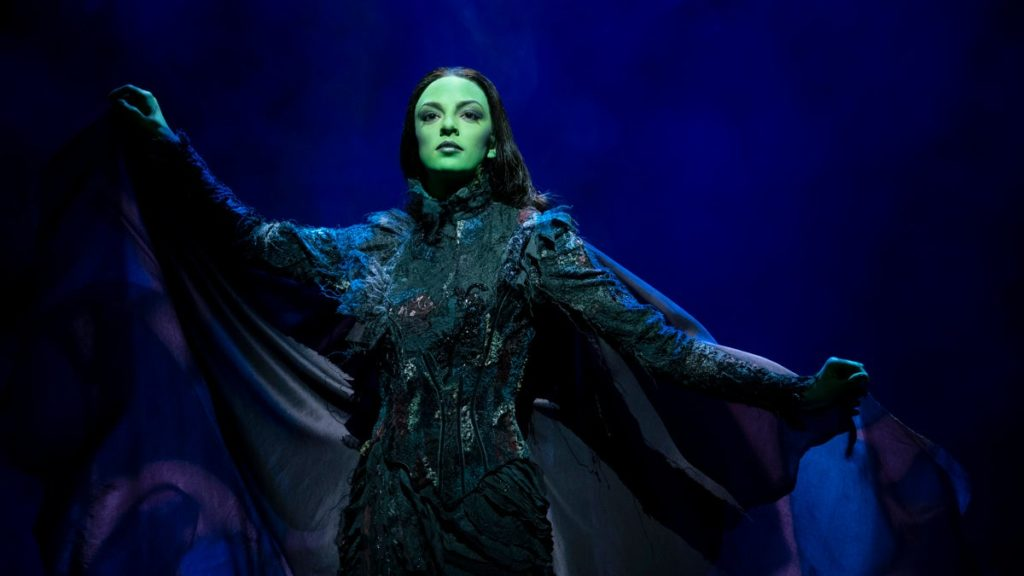 TOUR-Wicked-Talia Suskauer-2/20